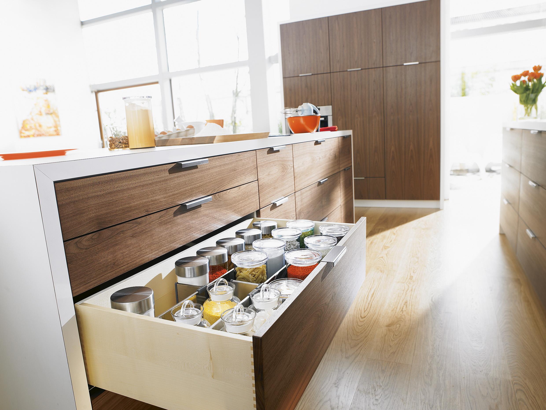 Фото современные большие кухни блюм